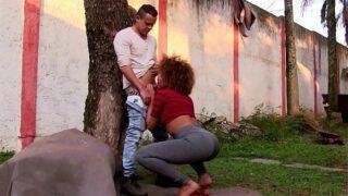 Sexo oral com negra safada em xxx brasil