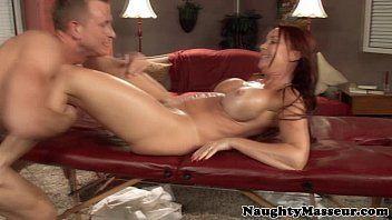 Fodendo mulher gostosa até o talo em samba porno grátis